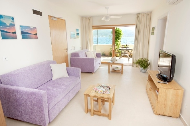 ... Luxus Ferienwohnung Viganj U2013Wohnbereich Der 70m² Ferienwohnung Mit  Blick Nach Draußen Zum Garten ...
