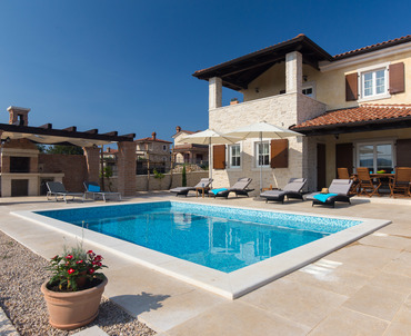 Rustical villa Sole - 3-bedroom villa with pool
